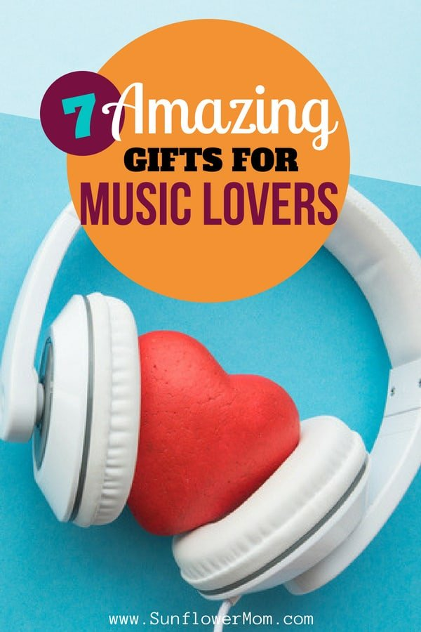 Almost everyone has a friend in their life who loves music. Check out this list below of 7 amazing gift ideas for everyone who is obsessed with music.